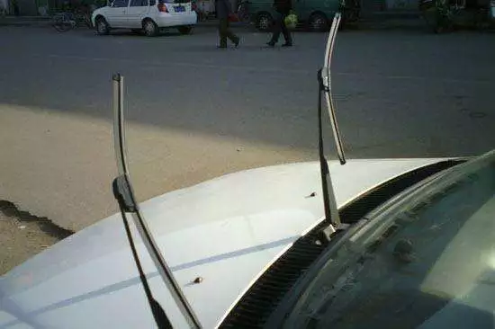 windscreen wipers6